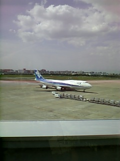 福岡空港で写したジャンボ