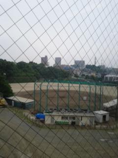 野球場を…
