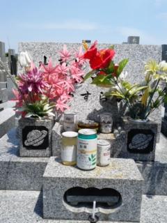 今日は祖父母の墓に…